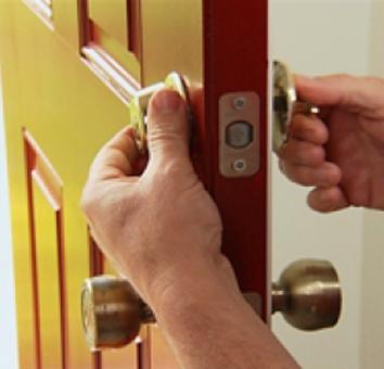 install-door-lock-home
